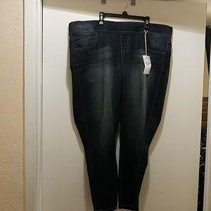 Torrid Lean Crop Jeans, Size 2